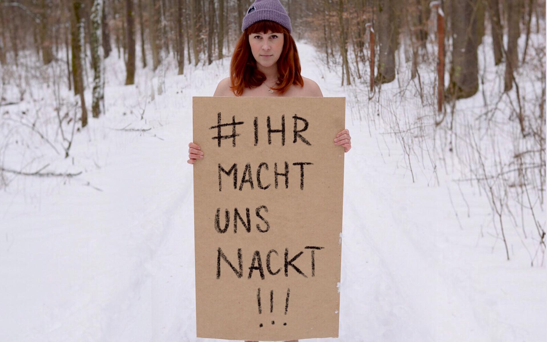 #IHRMACHTUNSNACKT - JANA LUNA TATTOO