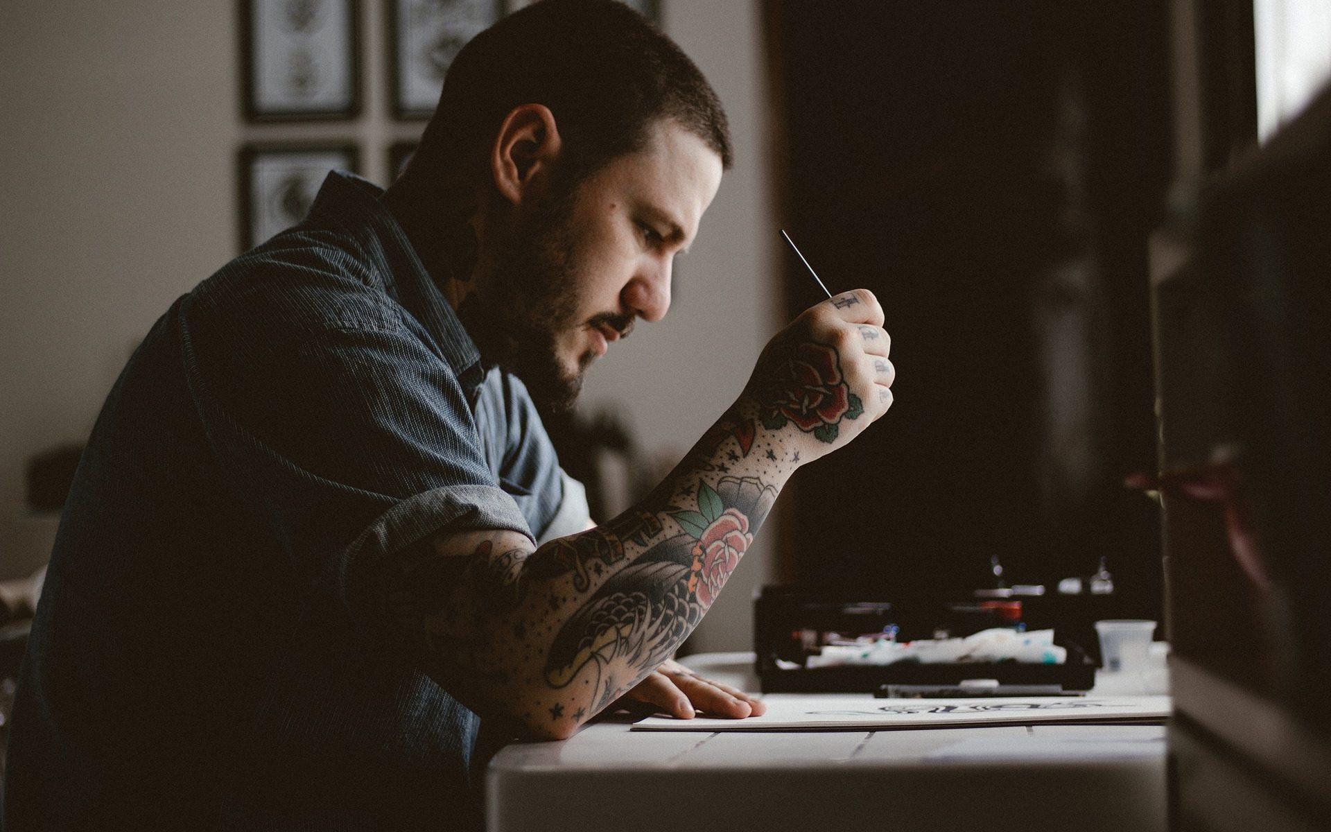 Tattoostudios Nürnberg Den richtigen Tätowierer finden Header